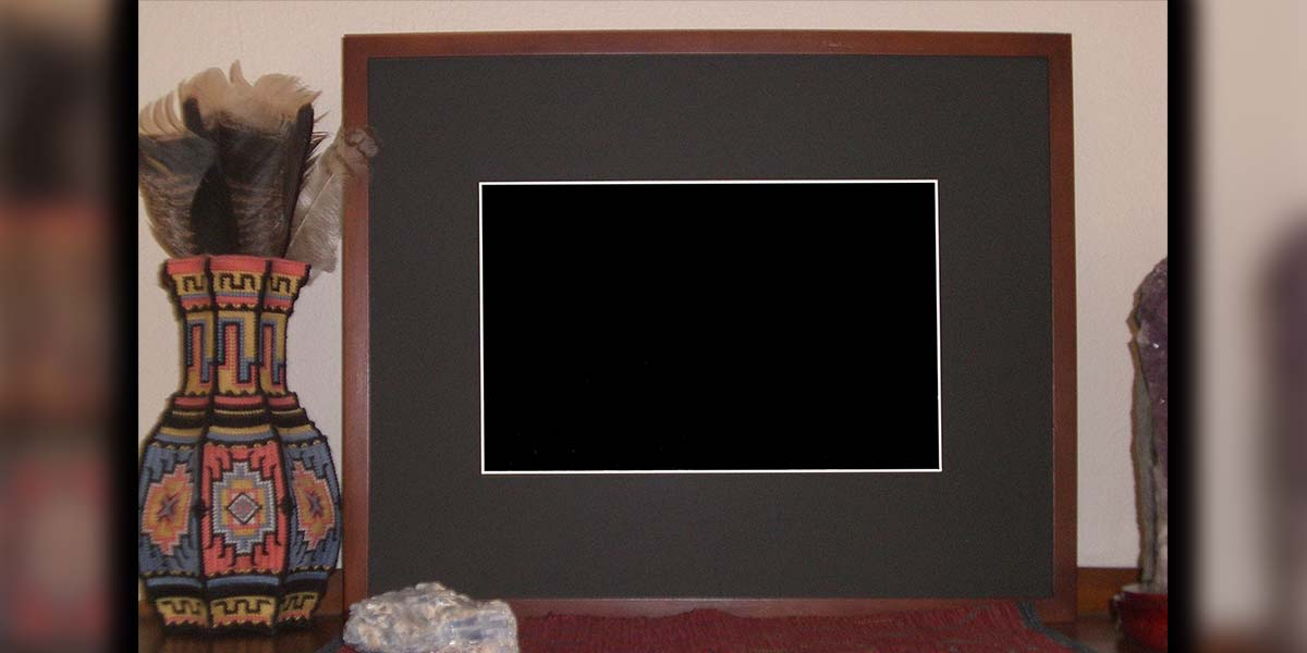 Turn A Broken Laptop Into A Digital Picture Frame