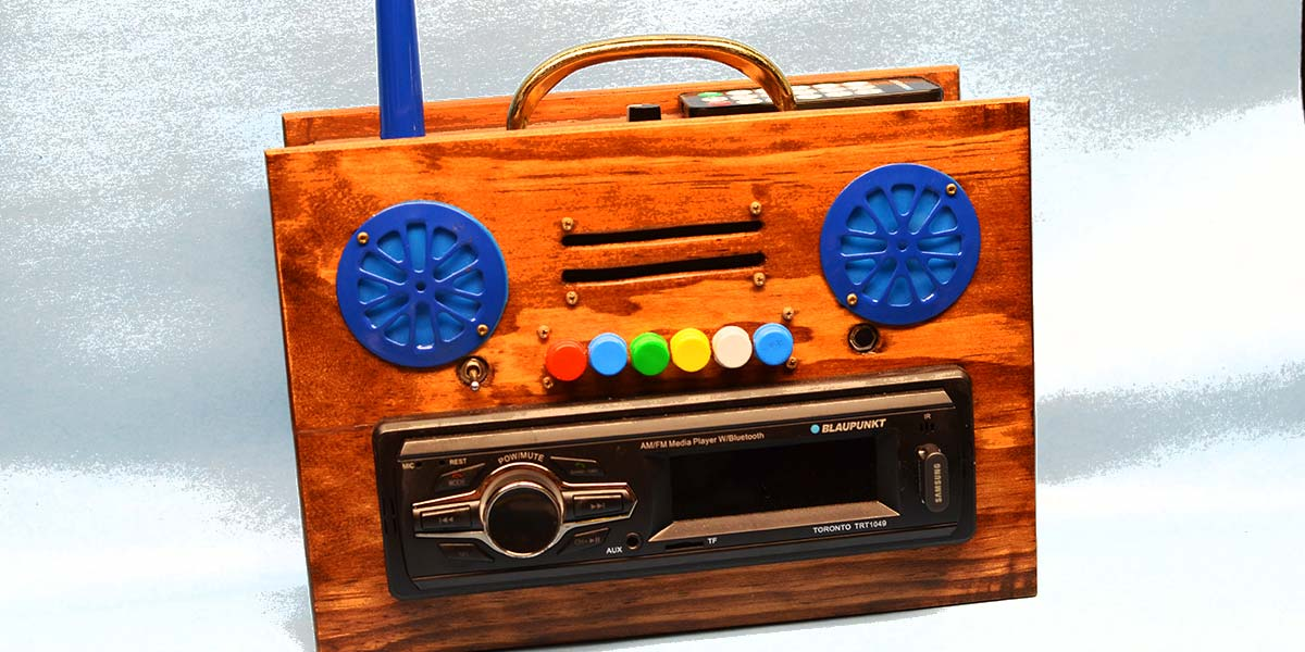 Build a Lunch Box Jukebox