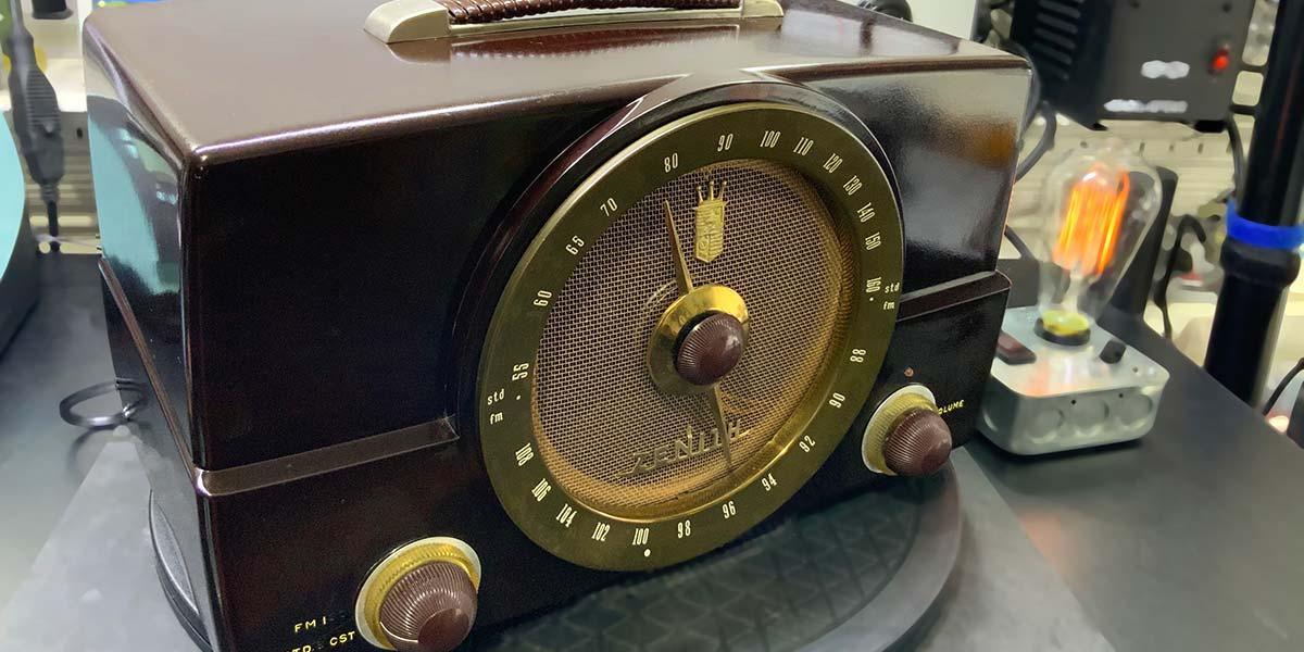 Restoration of a Vintage Zenith G725 AM/FM Receiver